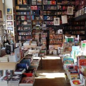 Vince bookshop Krisztina